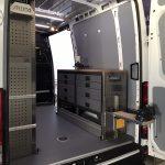 Iveco Daily L2-H2 mit Regal und Werkbank